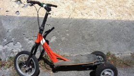 Trottinette électrique adulte à trois roues - 1