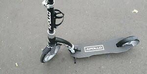 Comment fonctionne la trottinette Apollo Scooter-Hurricane City Scooter